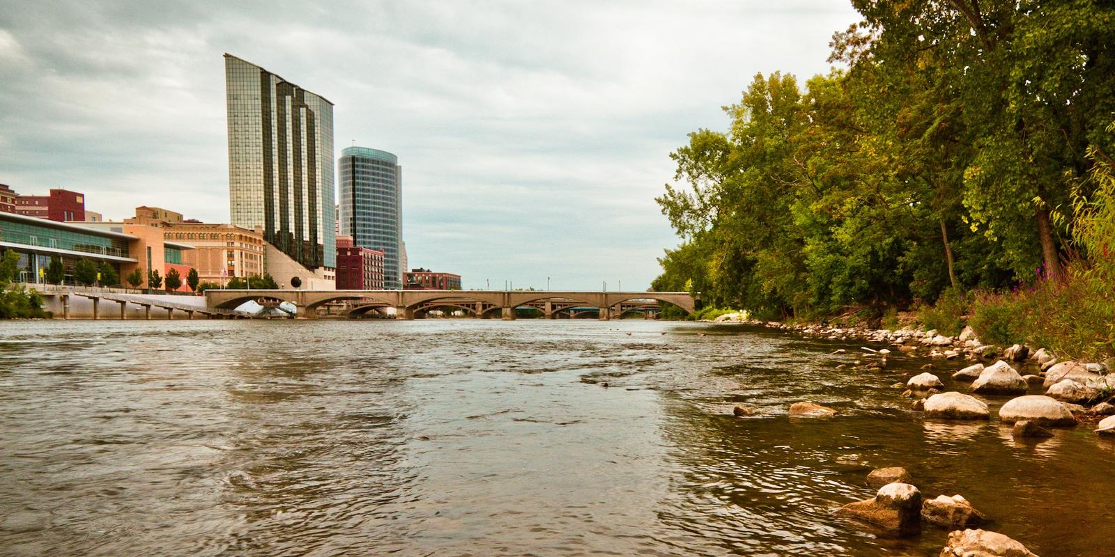 gr-river 800